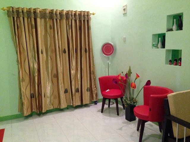 House for Backpacker in Makassar - Makassar - Casa