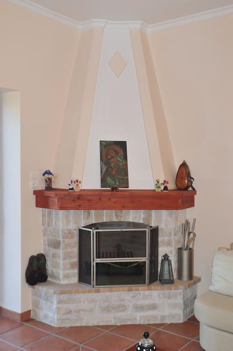 Fireplace (living room)
