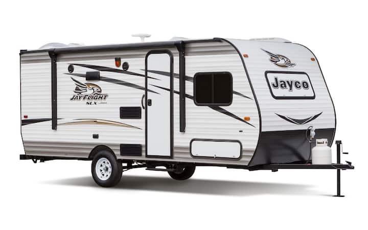 A new 5-6 luxury towing caravan