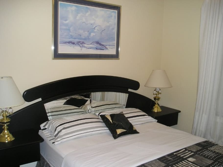 No Name Suite At Susan 39 S Villa A 2 Bedroom Suite Bed And Breakfasts For Rent In Niagara
