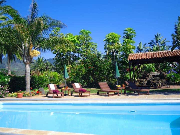 Apartamento de una habitación en San Cristóbal de La Laguna, con magnificas vistas al mar, piscina compartida, jardín cerrado