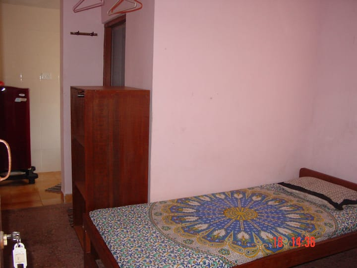 Hill View Guest House Single Room with Kitchen