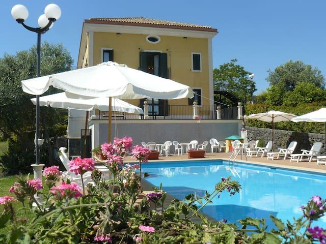 Villa with swimming pool - Acireale - Villa