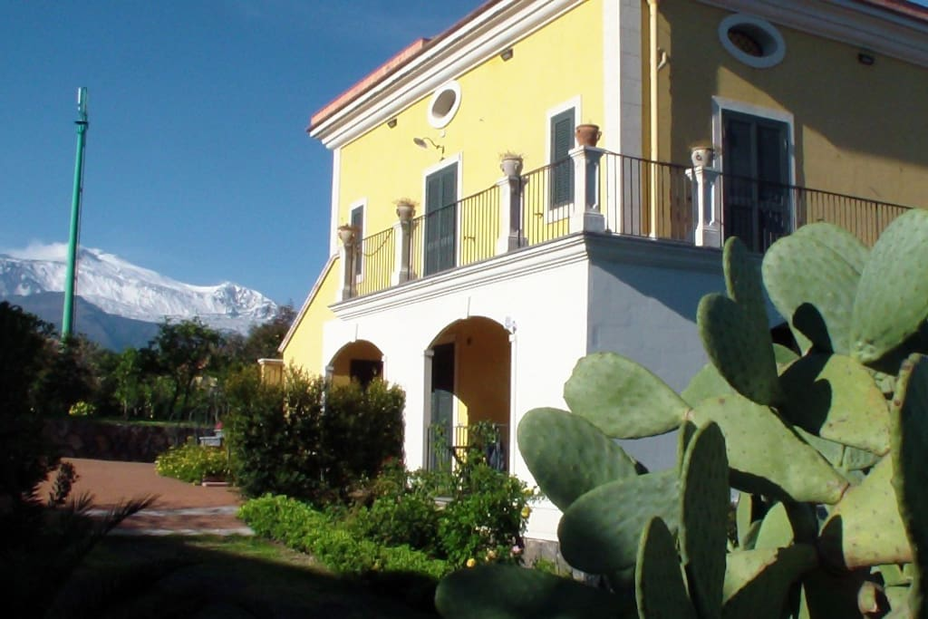 Residence and Etna