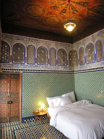 An Antique Royal Suite in Fes - Fes - Apartment