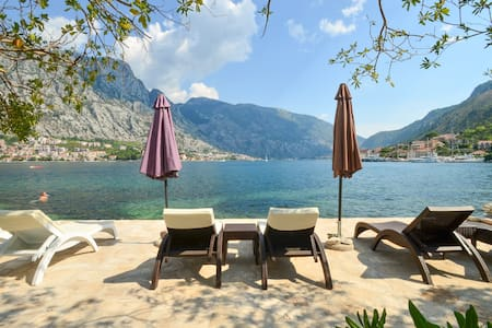 Lux seafront apartment near Kotor-private beach