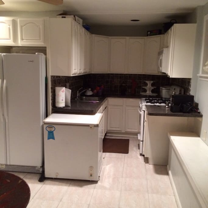 A Cozy 1 Bedroom In A Basement Apt Houses For Rent In Bayonne New Jersey United States