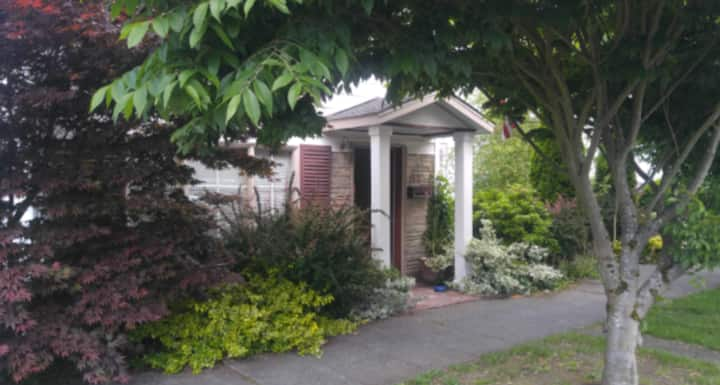 Quiet, Clean and Safe Home in Tacoma