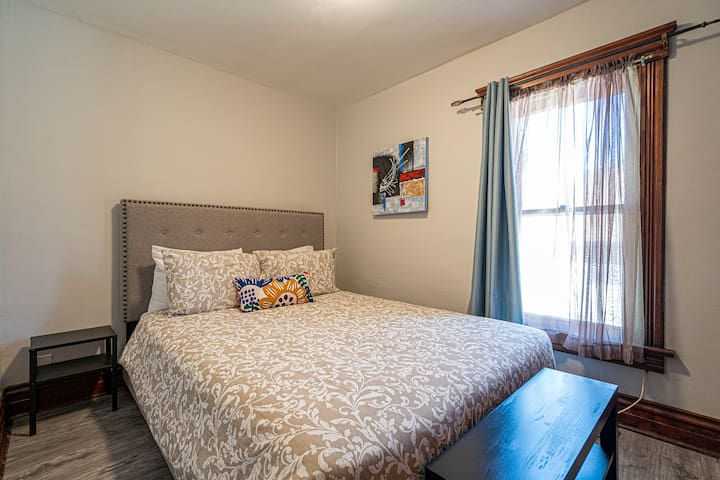 4th bedroom with Queen size bed on 2nd floor