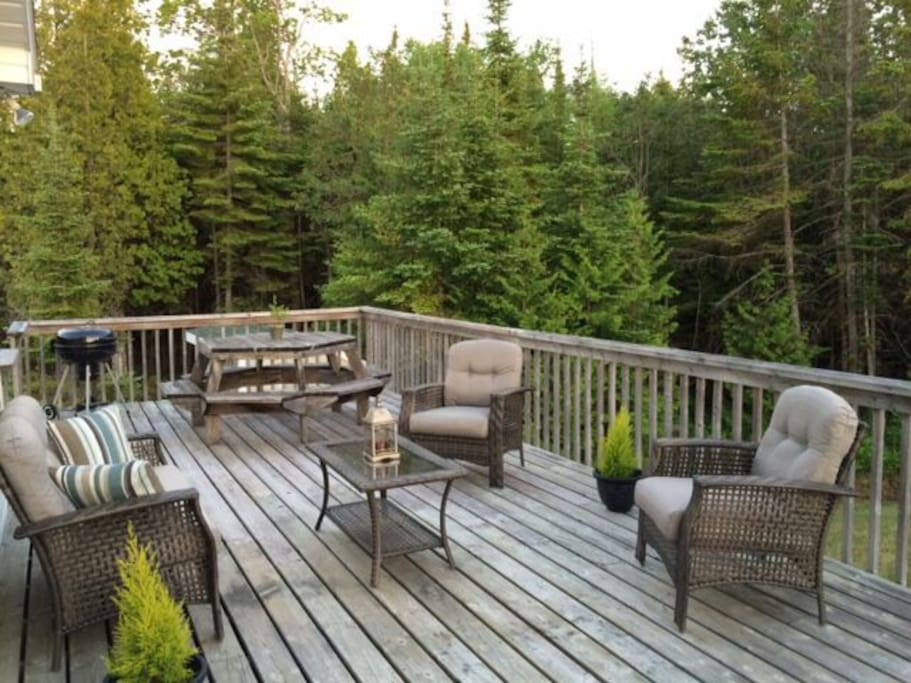 Oversized deck for pure relaxation