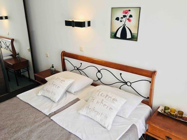 2-х спальная кровать