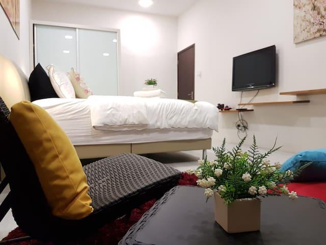Luxury Design room with private bath tub