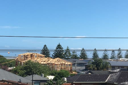 Views To Port Phillip Bay, Beach, FREE Wine & Foxtel