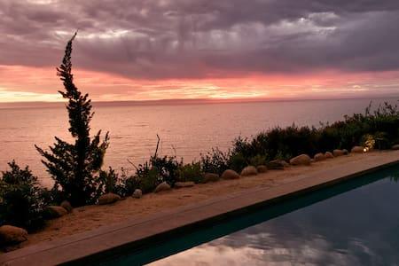 Oceanfront Luxury Studio - Beach Access, Pool, Spa - Santa Barbara - Guesthouse
