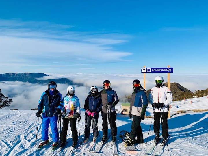 MAGNIFICENT SKIING ON MOUNT BULLER