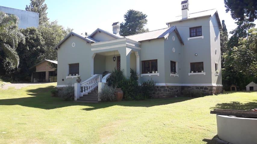 casa Villa Allende Golf, excelente ubicacion
