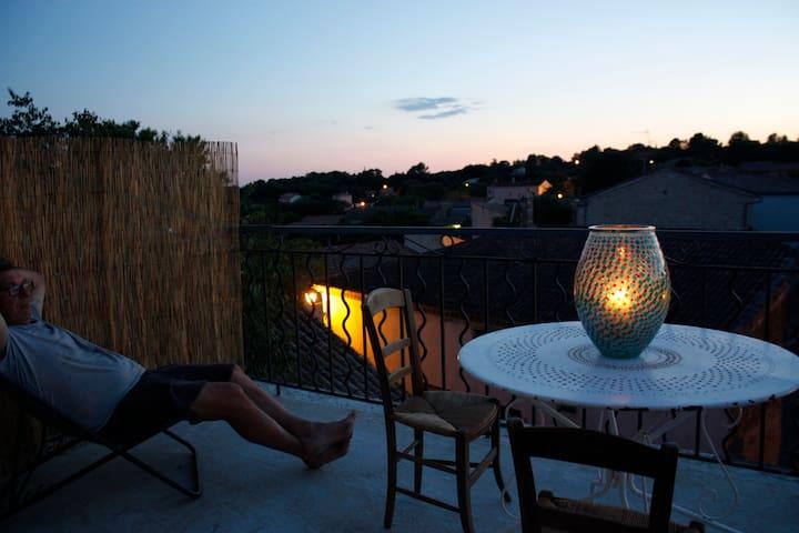 Junas Roof top apartment with piscine - Junas - Apartament