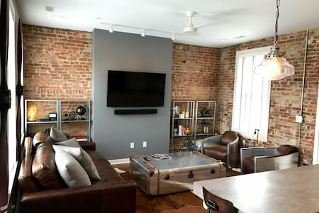 1 BD/BA Penthouse 1 Block from Washington Park - Cincinnati - Selveierleilighet