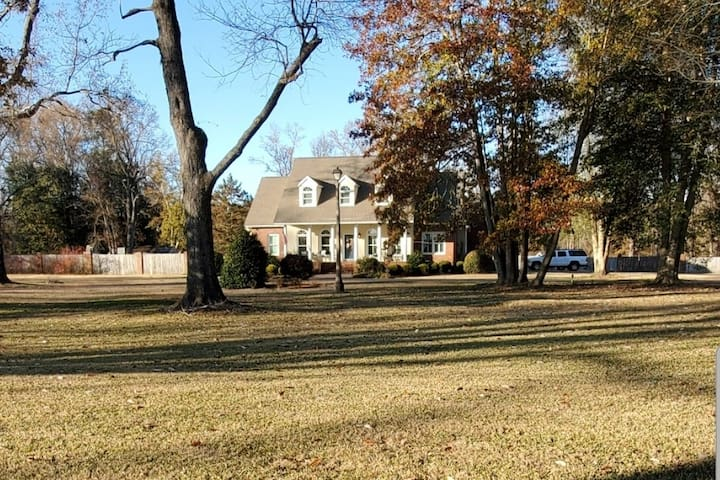 Magnolia Place - A bit of country living