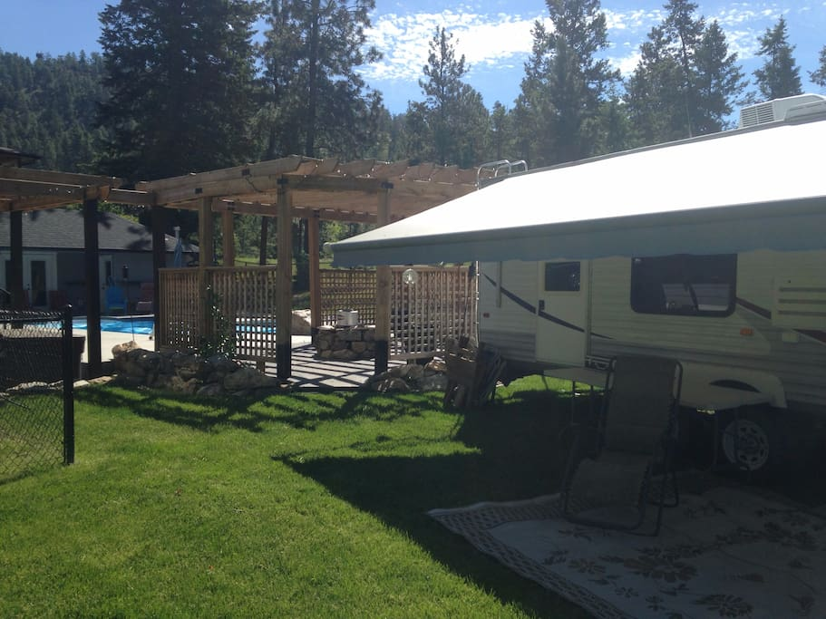 Beautiful 29 foot camper with pool, hot tub, fire pit, next to park with tennis and kids playground