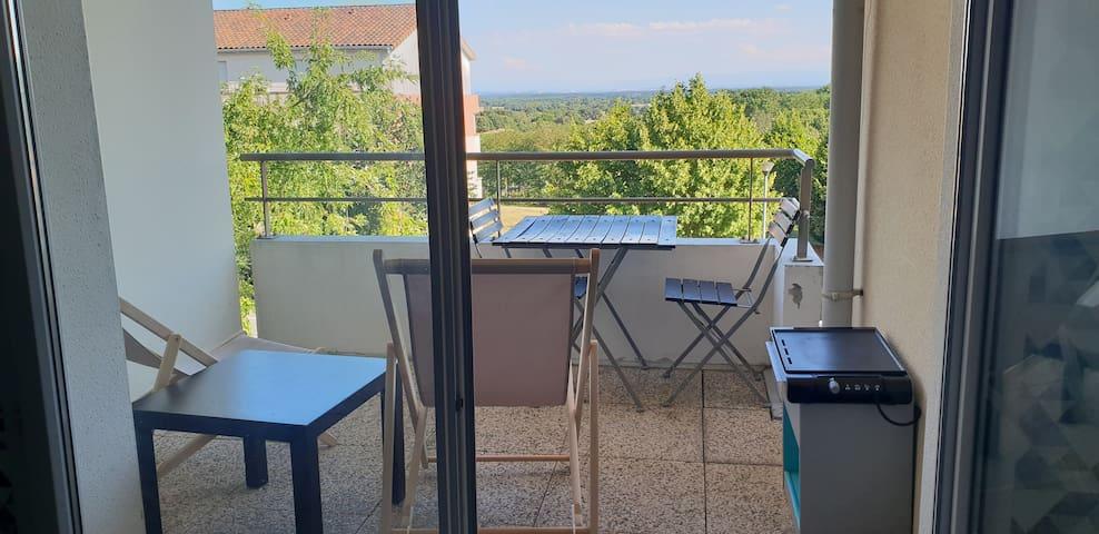Entre Toulouse et Gers Piscine et vue sur Pyrénées