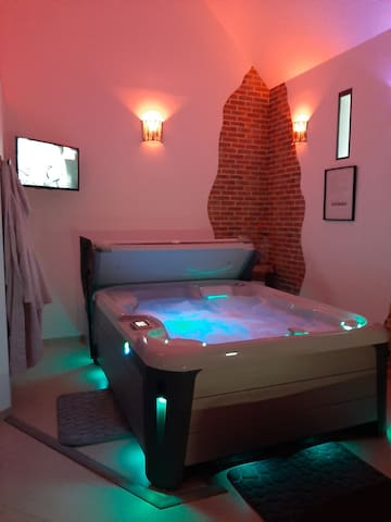 Suite avec  jacuzzi privatif