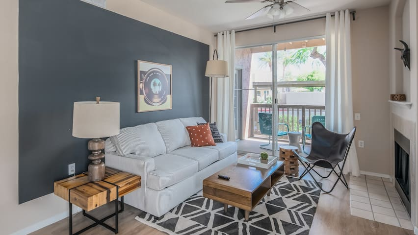 Luxe 1BR North Scottsdale Apt #1042 by WanderJaunt