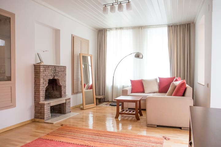 Welcome to your living room! Double windows protect you from noise outside.