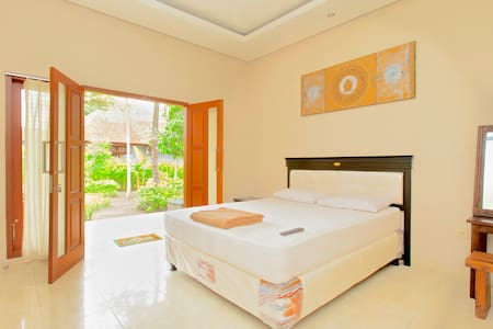 Meka Sari Beach Inn- Legian Beach - 库塔 - 住宿加早餐
