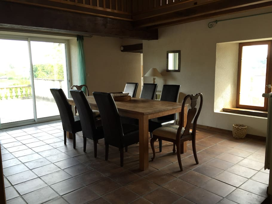 lounge with access to side terrace