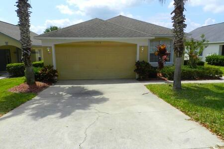 Southern Dunes 4/3 Pool Home property, fully furnished, with full kitchen, and all linens and towels, - HAINES CITY - Talo