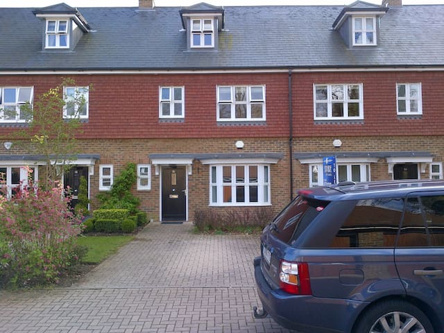 3 bed Ascot house in private estate - Windsor and Maidenhead - Dům