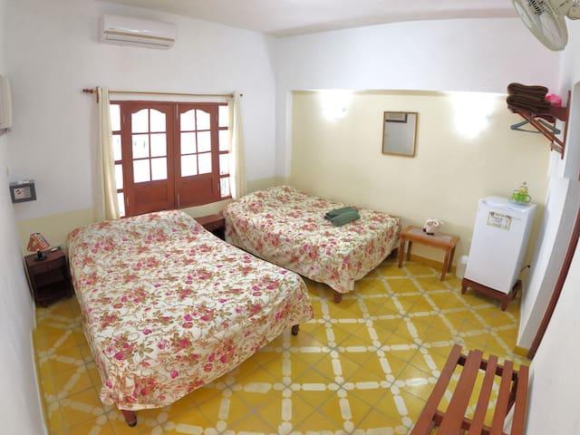 Hostal Gattorno (Habitación B o #2)