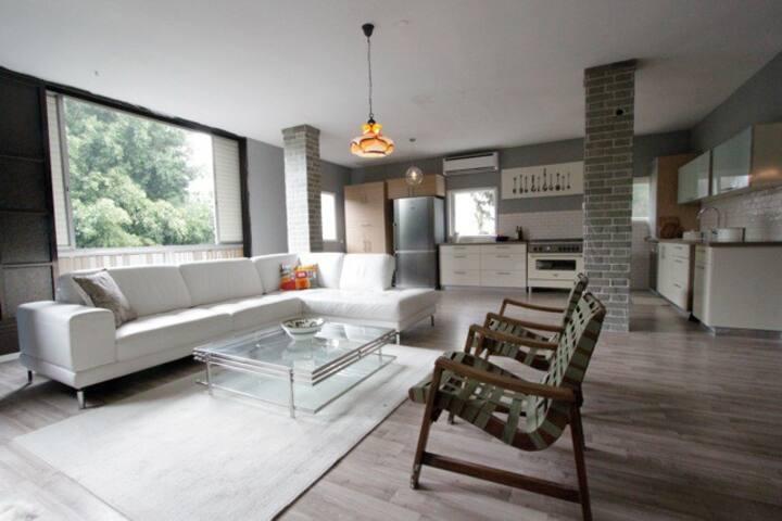 1600 sq ft Bazel 3BDRM+120sq.ft Rooftop+Parking.