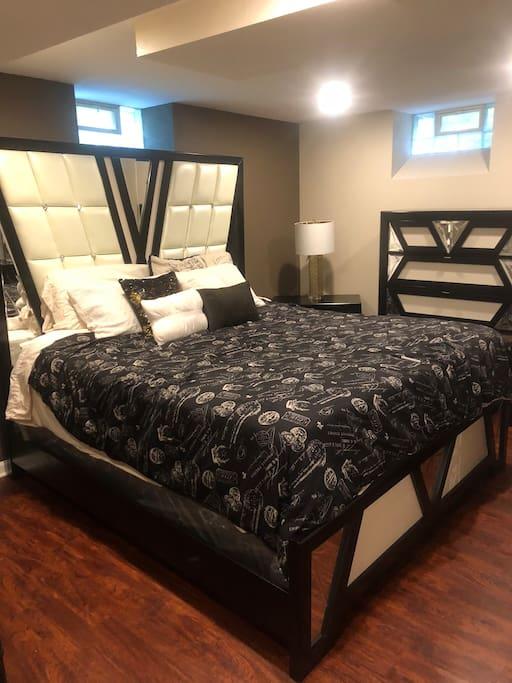 King and queen sweet bedroom #1