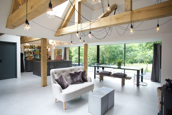 Contemporary rural retreat close to London. - Langton Green - Maison
