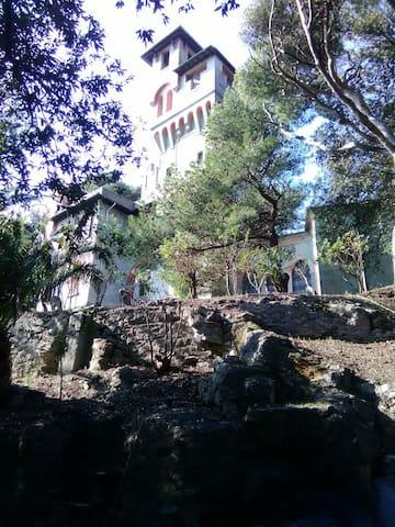 Castello di Monleone, la camera nella torre