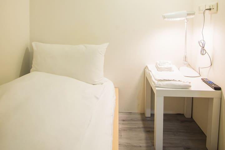 標準單人房 · 交通方便且乾淨安全的標準單人房
