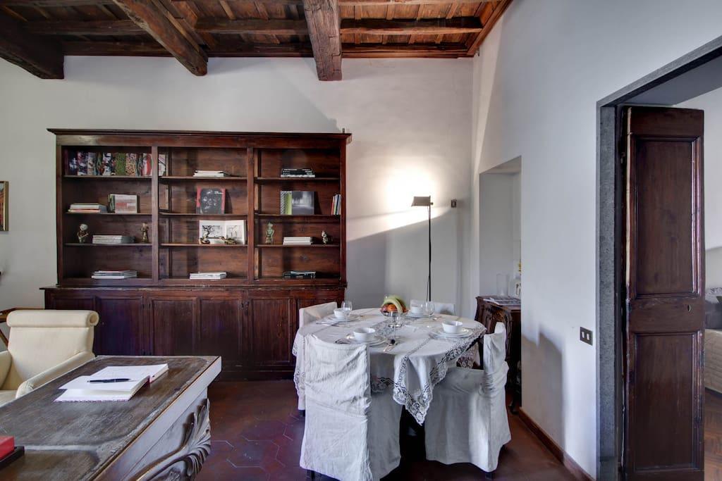 Elegant apartment in Rome center