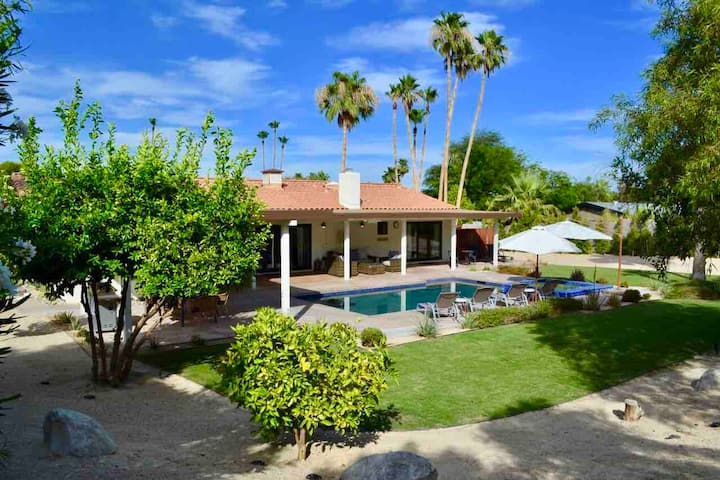 New Modern Remodel, Sparkling Pool, Beautiful View
