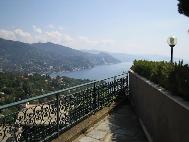 Seaview 8 sleeps apt @ Portofino Est residence