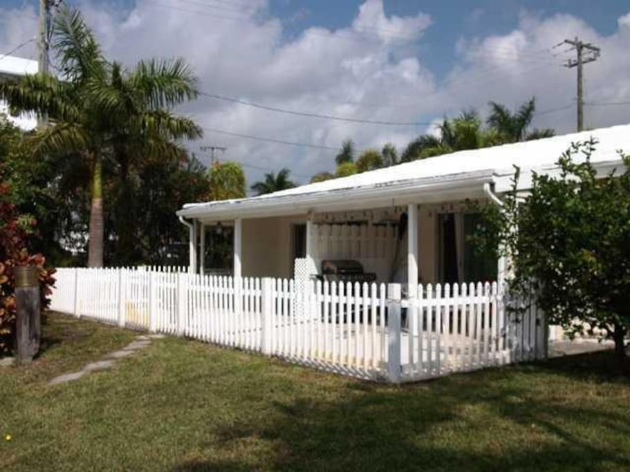 Waterfront 1 Bedroom Cottage Houses For Rent In Delray Beach Florida United States