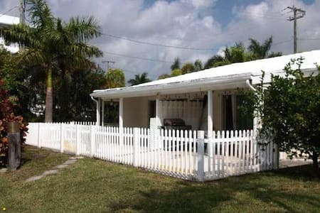 waterfront 1bedroom cottage- - Delray Beach