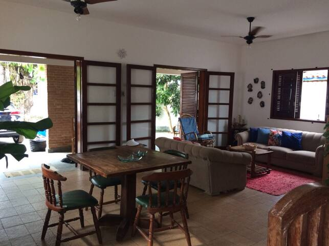 PRAIA DO LAZARO, UBATUBA - Casa à 50 mts da praia
