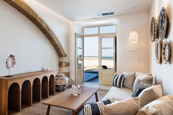 Nephalion 1-Bedroom Sea Front Luxury Apartment