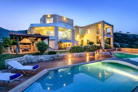 ENDLESS VIEW VILLA with swimming pool