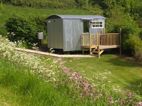 Shepherds hut, cosy, warm, uninterrupted views