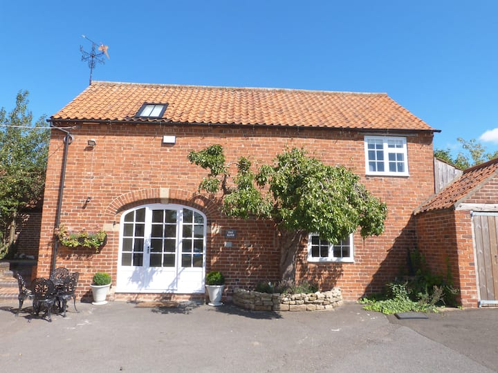 Boutique Self-Catering Barn Conversion, Allington