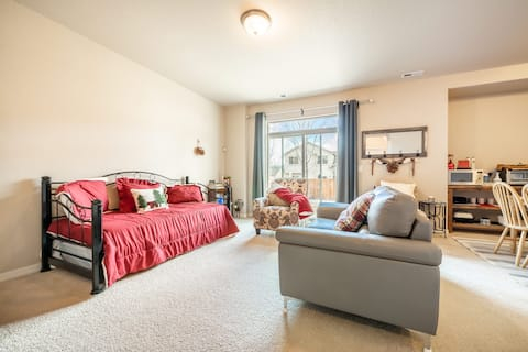 Relaxing Private King bedroom suite, dog friendly!