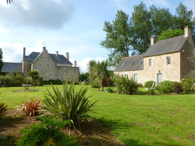 Manor House near dday beaches up to 22 people - Valognes - Castell